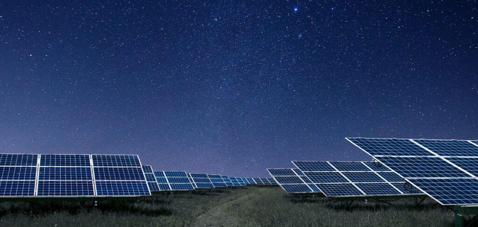 Сонячні станції почали працювати в нічний час: що придумали вчені