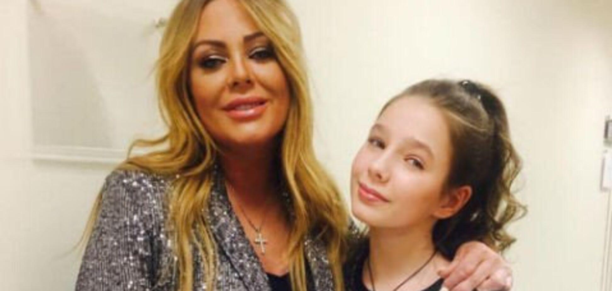 12-летняя дочь Началовой показала новорожденную сестру