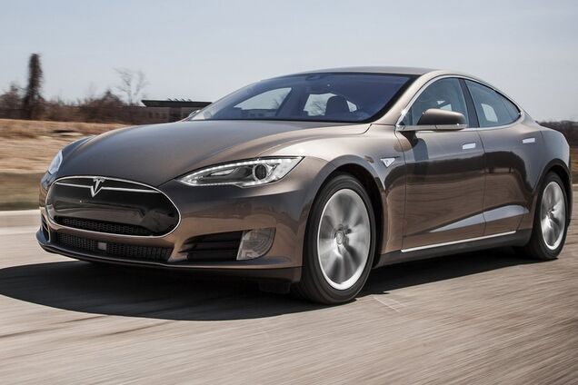 Електромобіль Tesla Model S