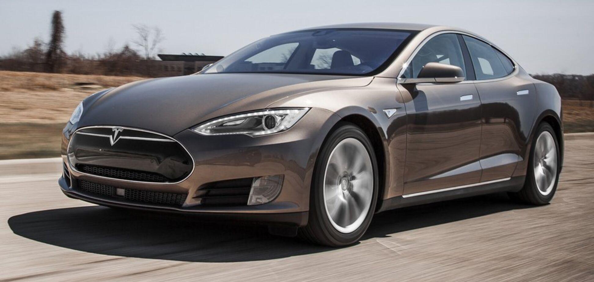 Електромобіль Tesla потрапив до Книги рекордів Гіннеса