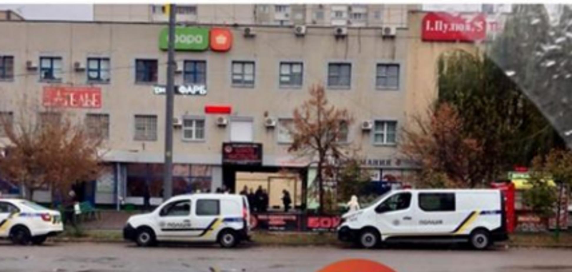 Лежал посреди улицы: в Киеве загадочно погиб человек
