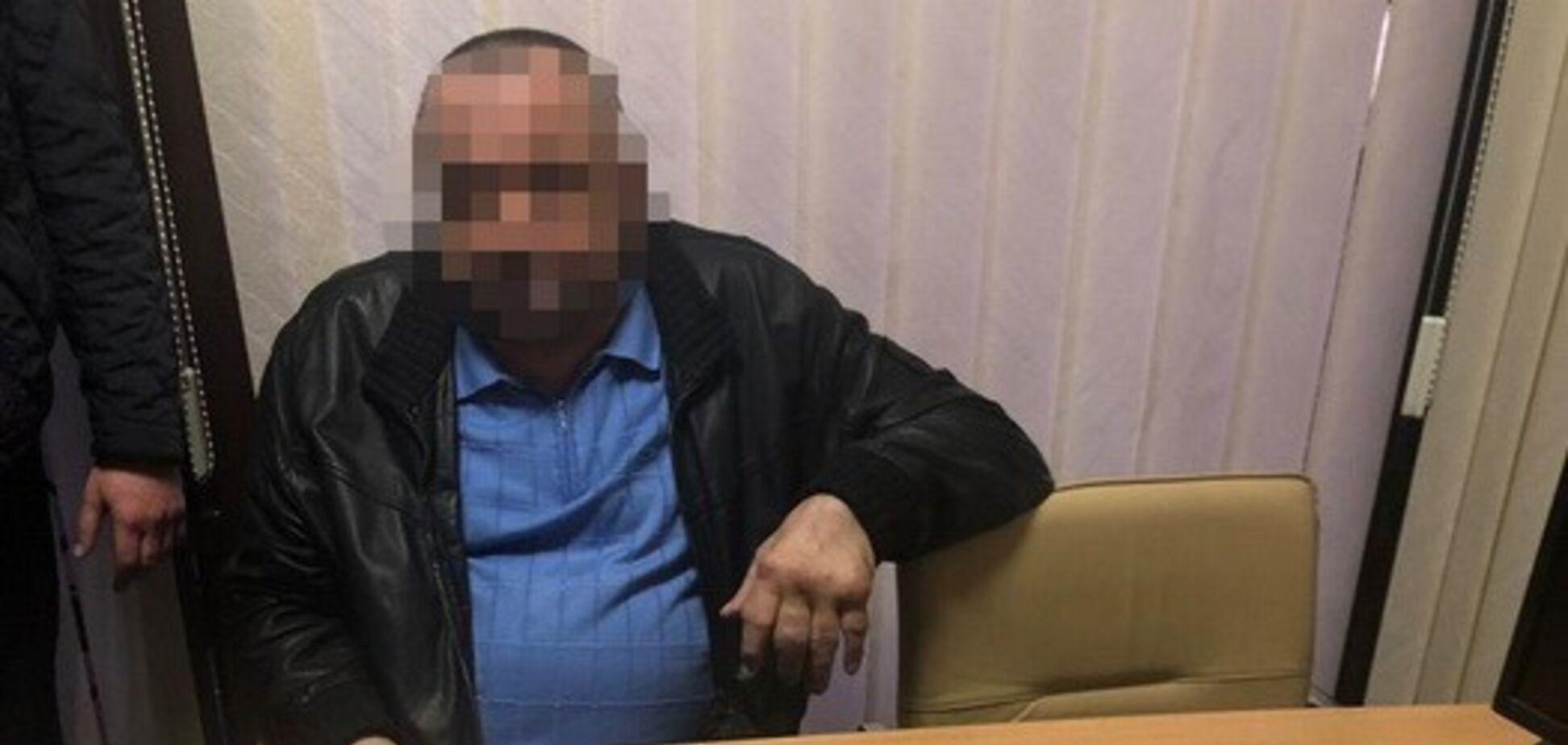 Намагався розпродати держмайно: у Києві затримали ексвисокопосадовця заводу 'Укроборонпрому'