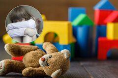 ''Погрожували заклеїти очі і били ''чарівною паличкою'': як знущаються в українських дитячих садках