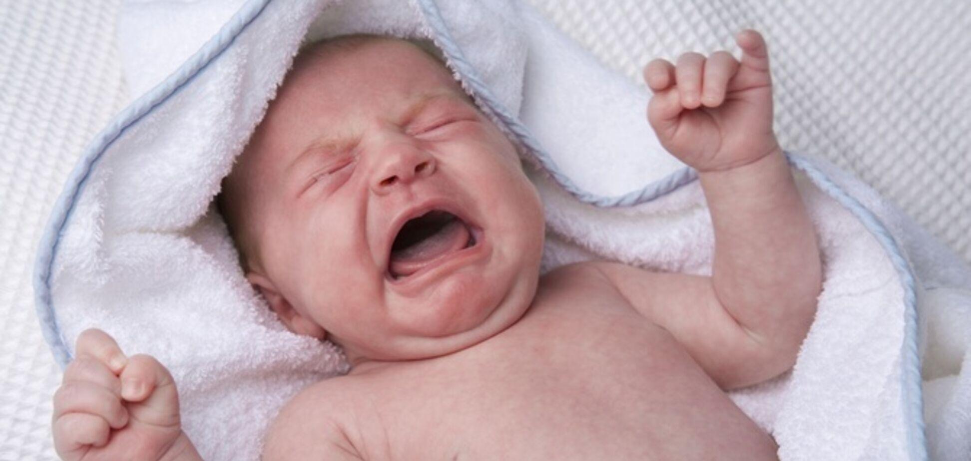 Головой об стену: в Днепре психбольная мать издевалась над младенцем