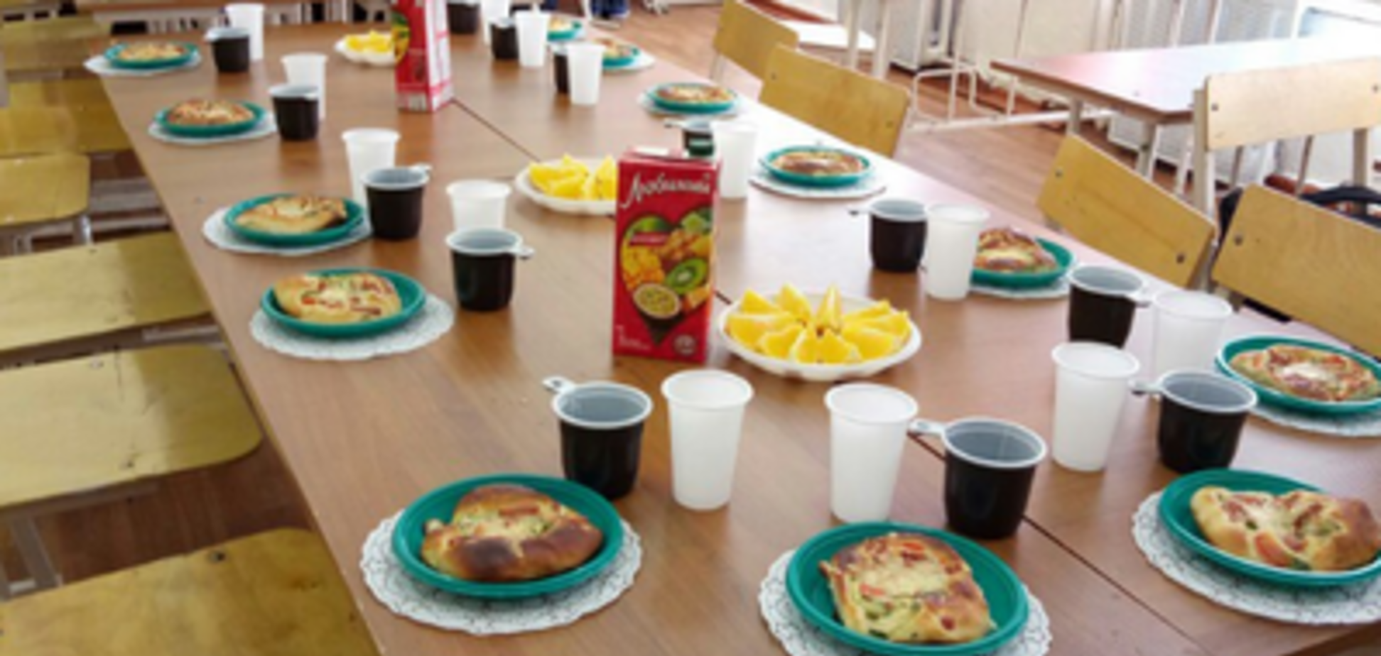 У Росії заборонили чаювання в школі через приниження другокласниці
