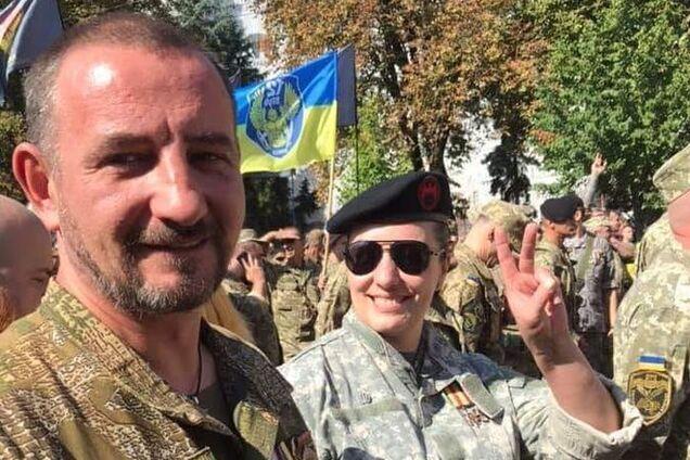"""Влад Грищенко (боєць """"ПС"""", а потім 95 аеромобільної бригади ЗСУ) та його дружина Інна Грищенко (також була в складі ДУК """"Правий сектор"""")"""