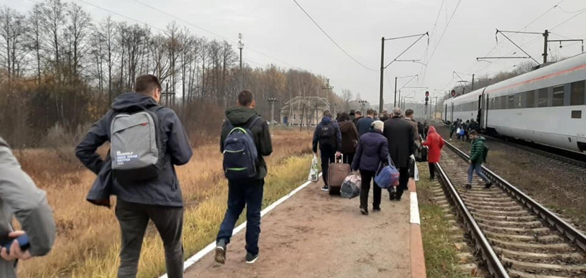'Ищем взрывчатку!' С поездом Львов – Киев случилось серьезное ЧП
