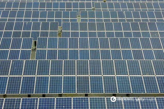 Фотоелектричні панелі сонячної електростанції
