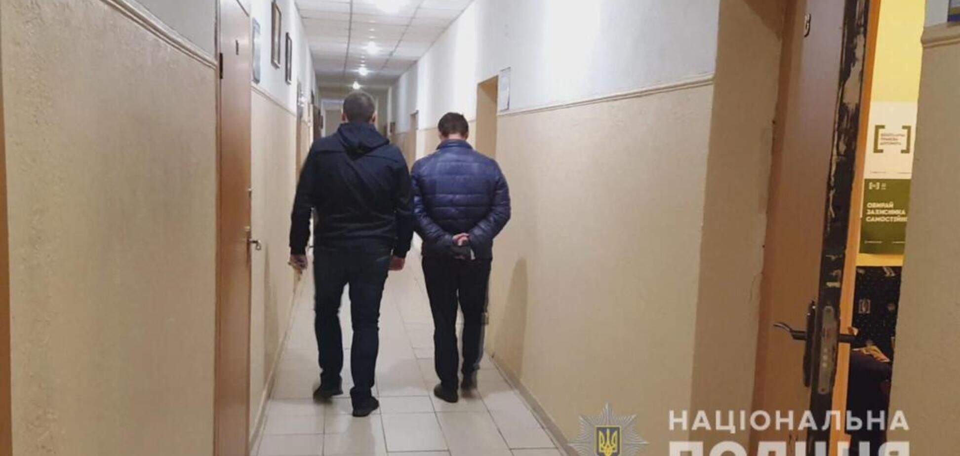 Ударил ножом в живот: в Одессе застолье закончилось убийством