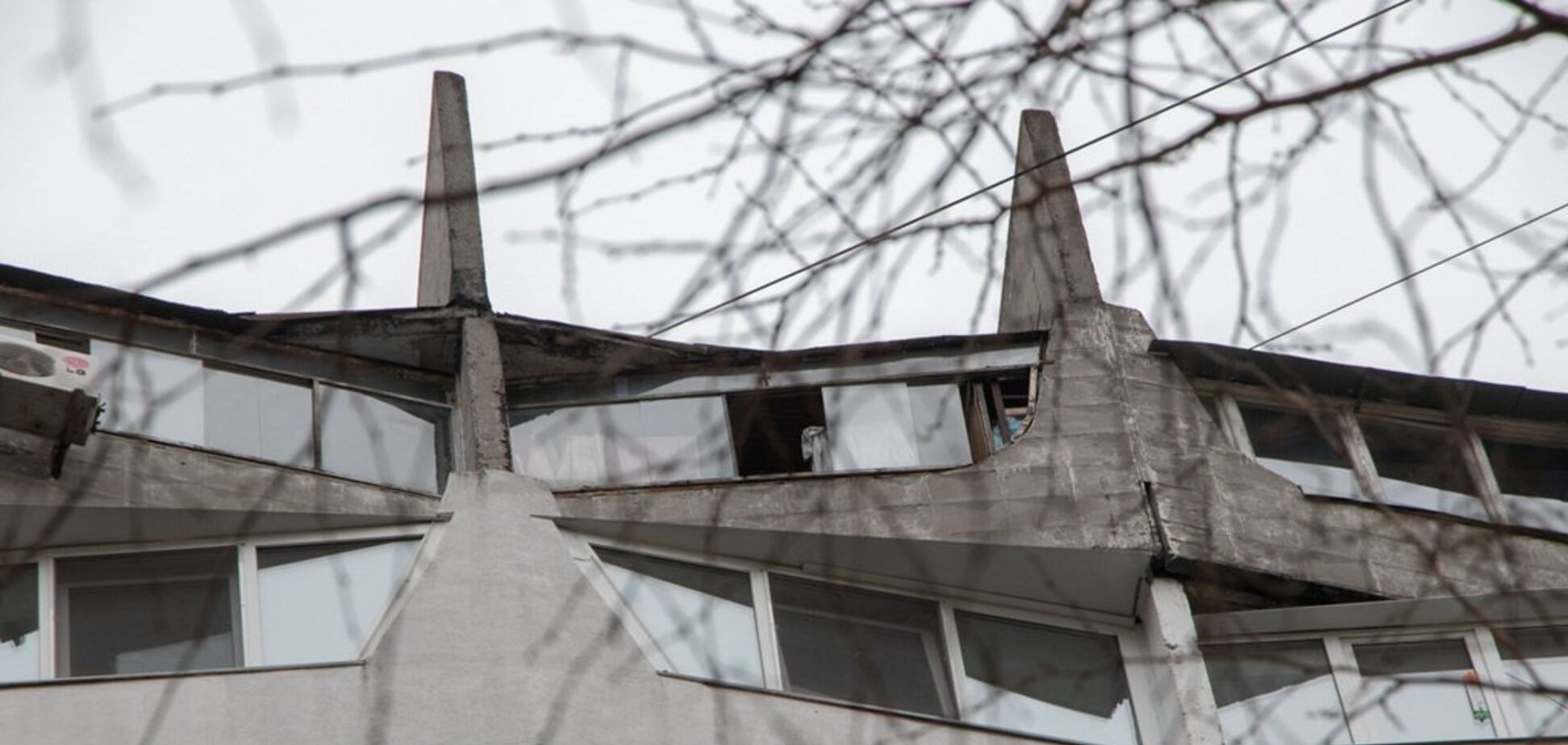 В Днепре женщина выбросилась с 16 этажа. Фото 18+
