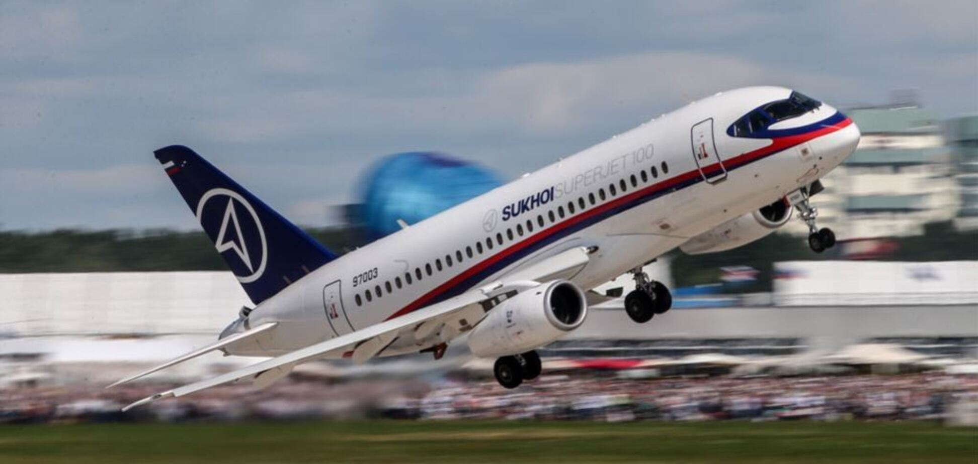 В России экстренно сел самолет с пассажирами: первые подробности