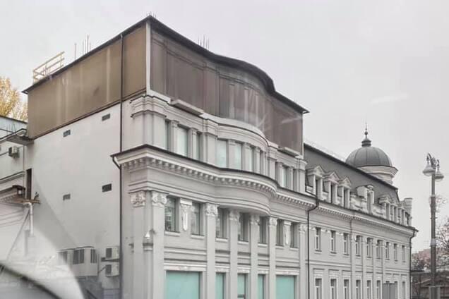Надстройка над зданием в центре Киева