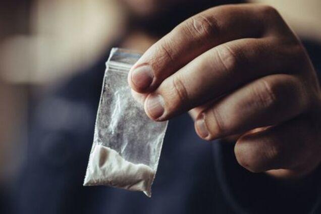 Студент з Дніпра брав і рекламував наркотики