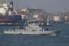 Катери українських ВМС типу «Айленд» випробовуються у відкритому морі.