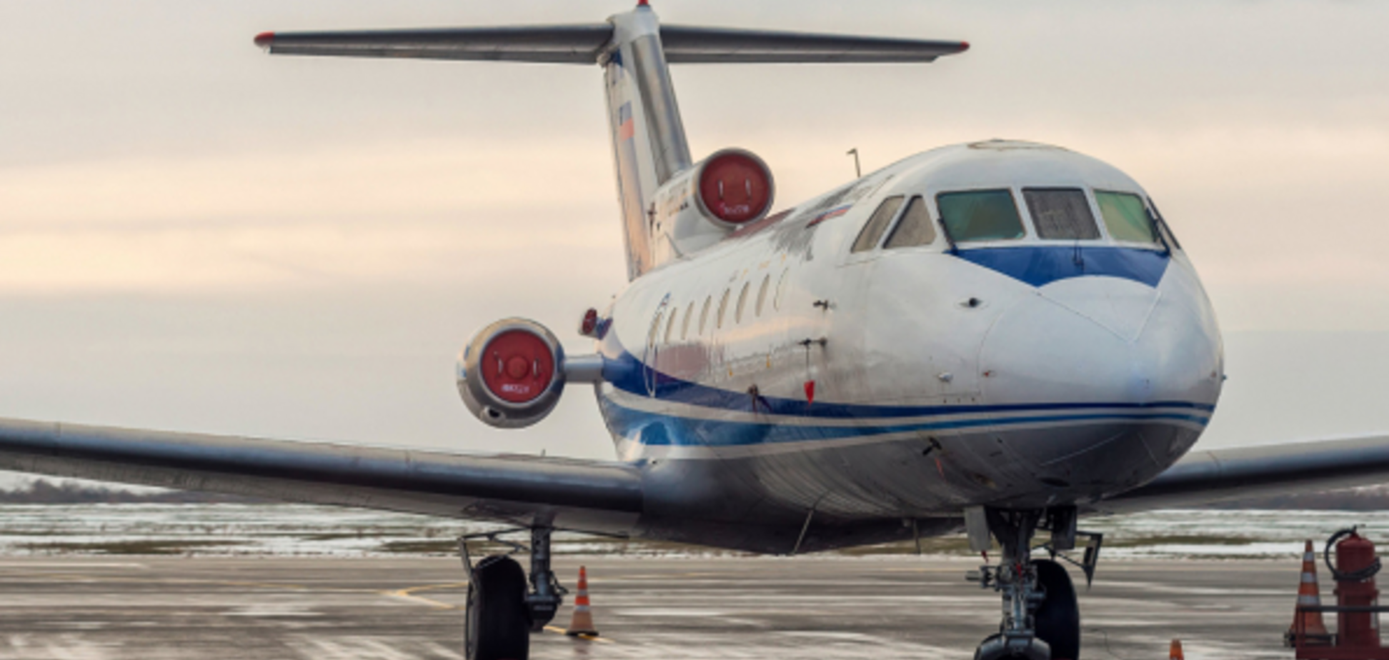 Літак Як-42