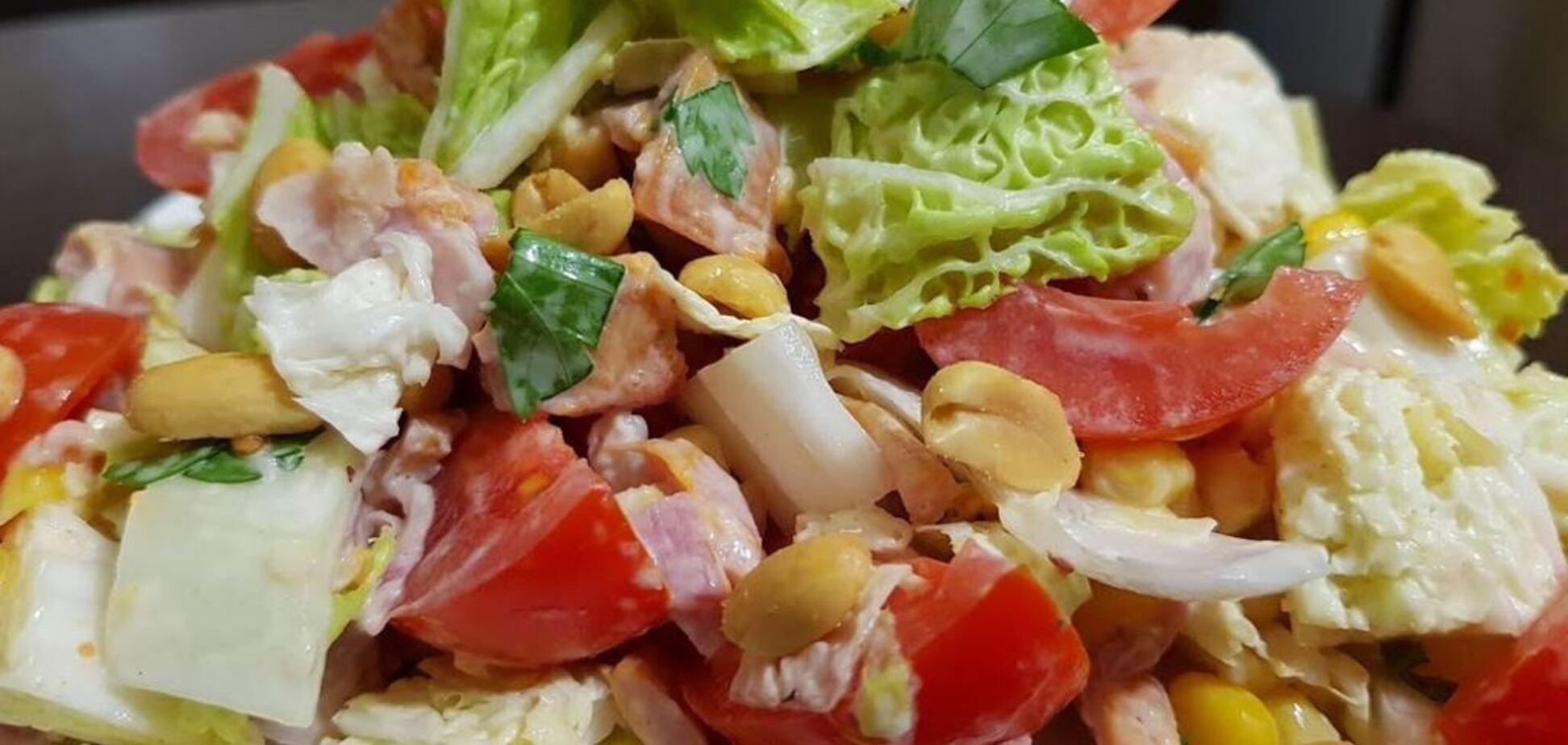 Рецепт праздничного мясного салата с орешками за 15 минут