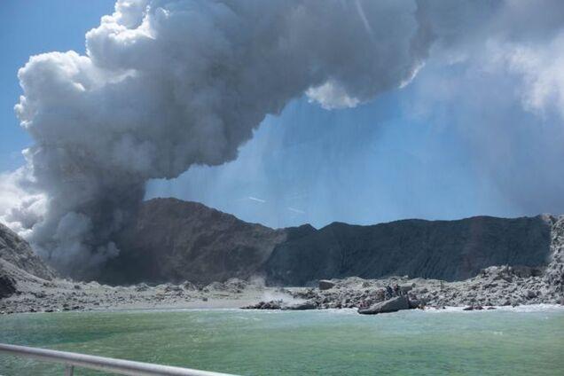 На острові Вайт-Айленд у Новій Зеландії 9 грудня трапилося виверження вулкану