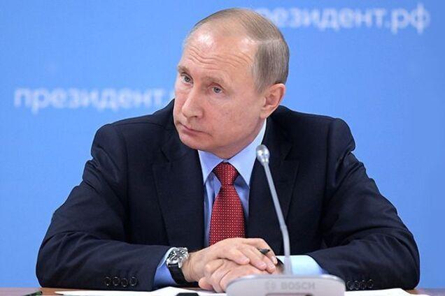 Видимо, у Путина уже начались провалы памяти