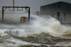 Абсолютний рекорд: у Британії змогли заробити на руйнівній силі шторму