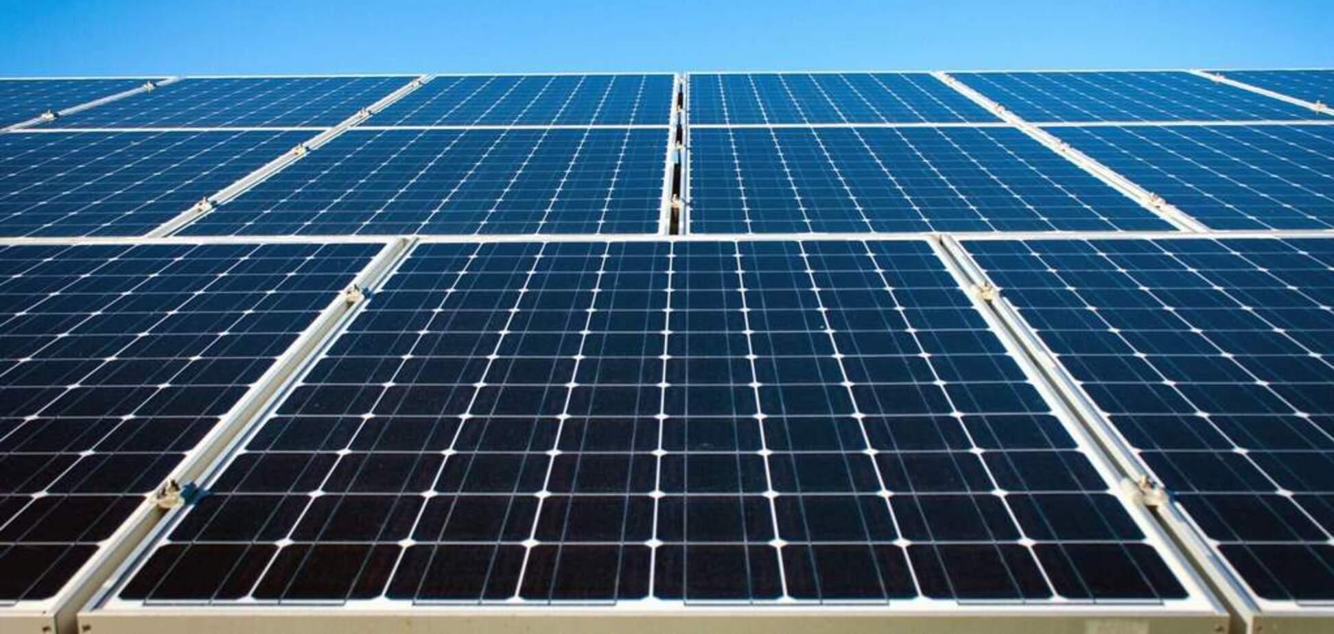 Ученые смогли сделать солнечные панели неуязвимыми для загрязнений