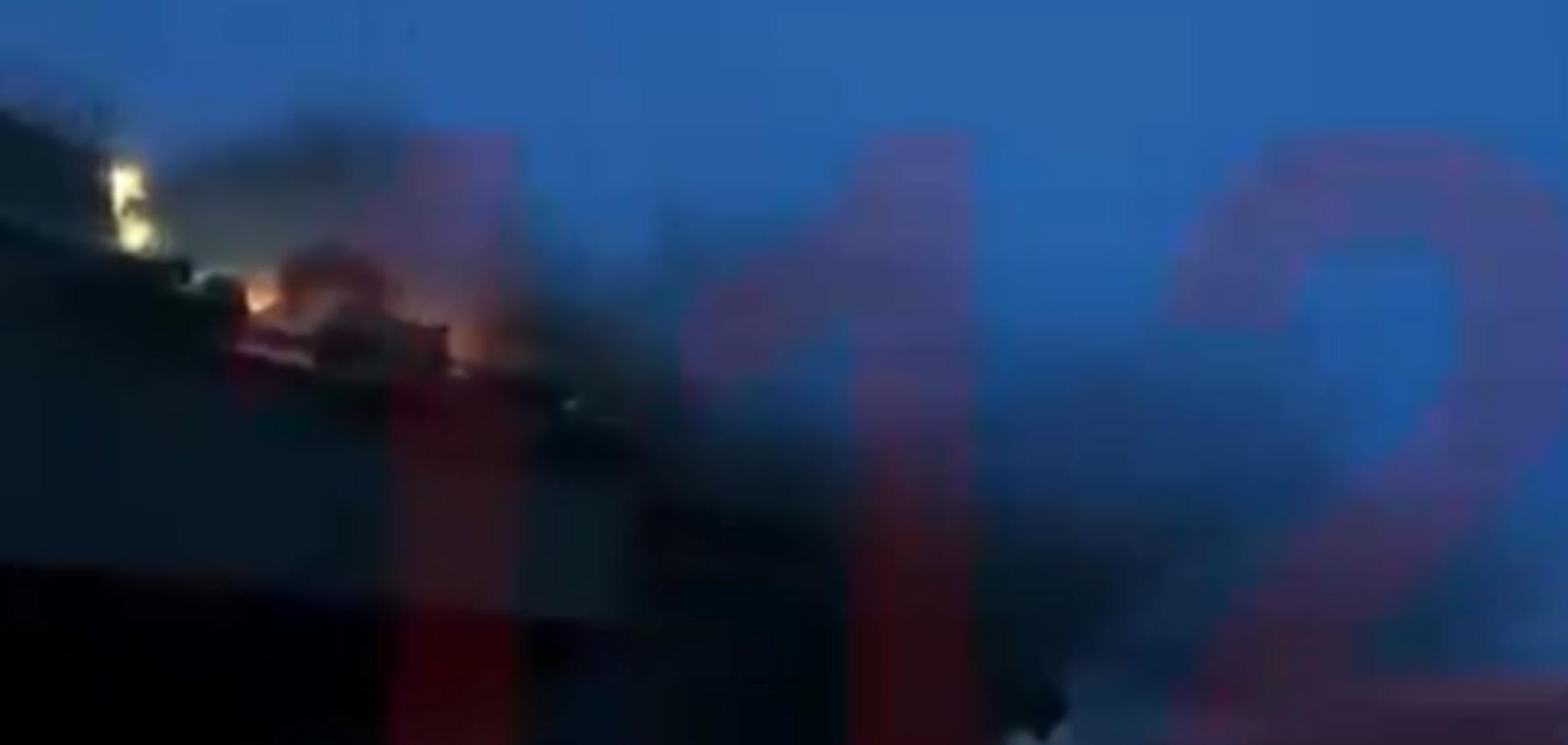 У Росії загорівся скандальний крейсер: з'явилося відео пожежі