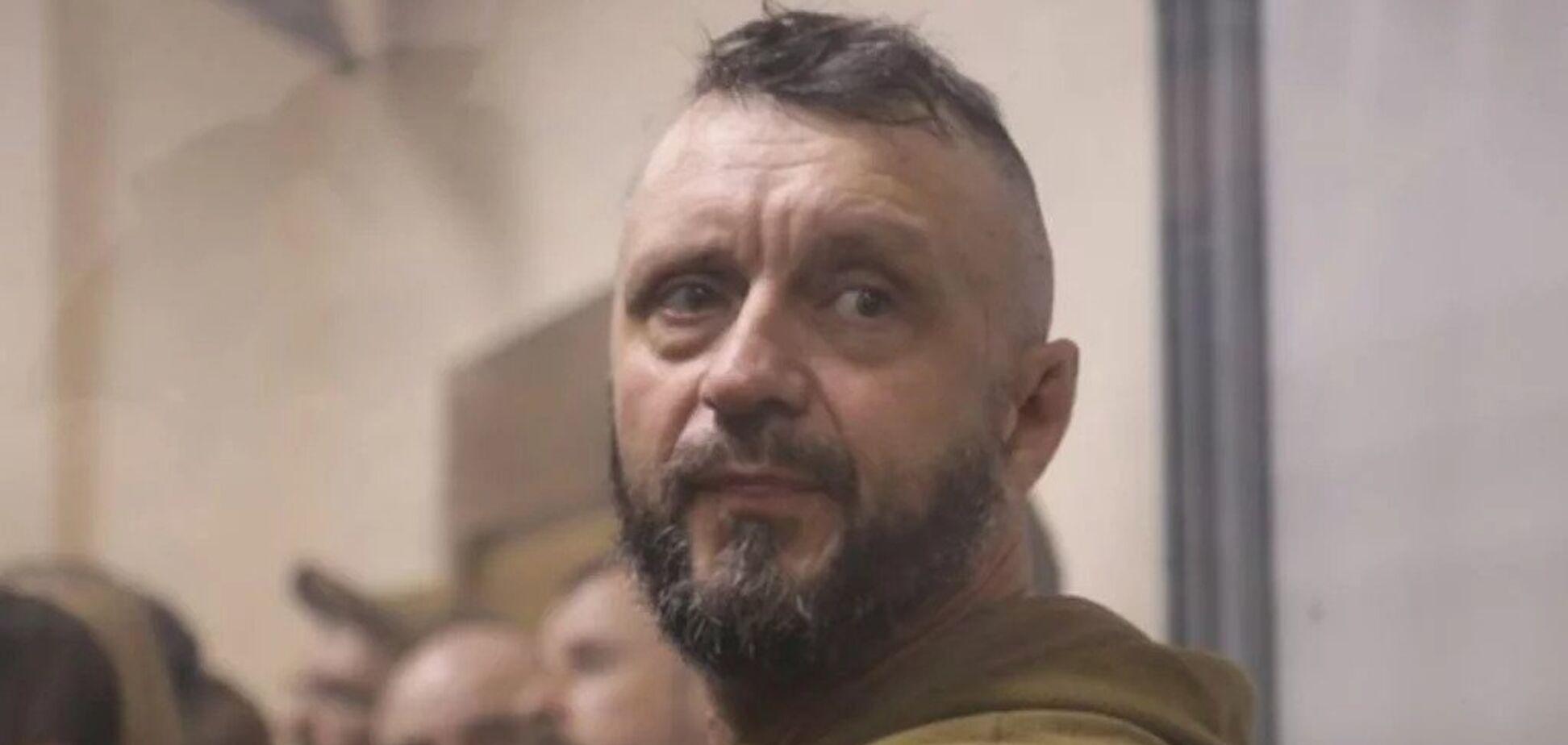 'Руки в татуировках, уши сломаны': Антоненко рассказал, чем отличается от убийцы на видео
