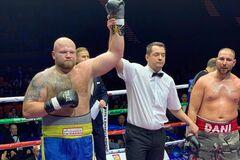 Непереможний український супертяж забив суперника в яскравому бою - опубліковано відео