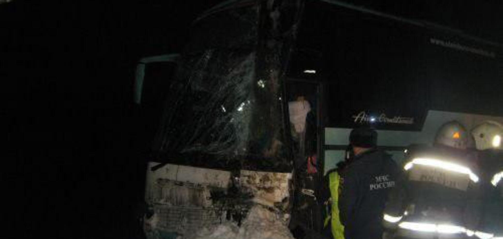 У Росії перекинувся автобус з 40 пасажирами: фото моторошної ДТП