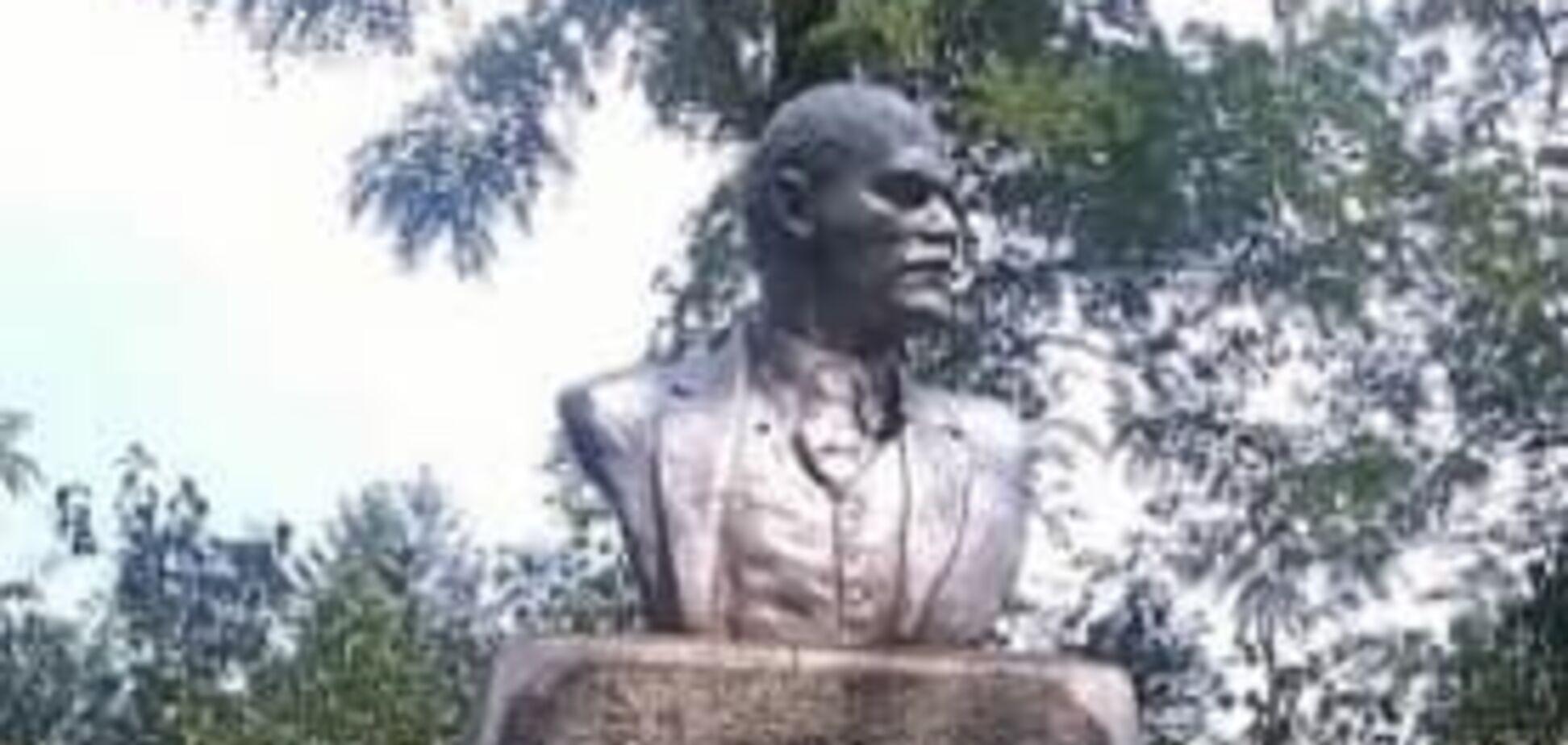 На Одесщине демонтировали один из последних памятников Ленину