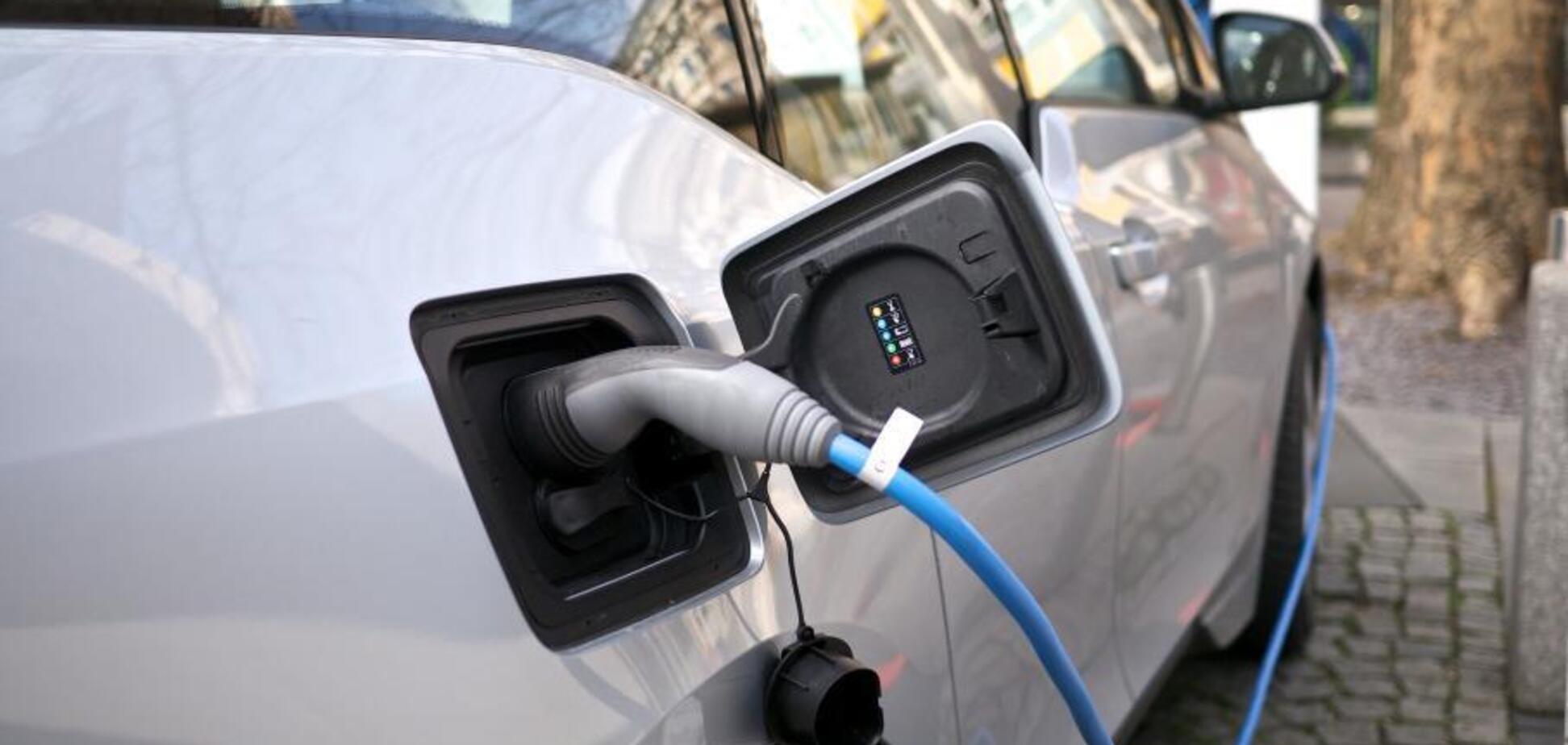 На сколько деградируют батареи электромобилей за один год — исследование