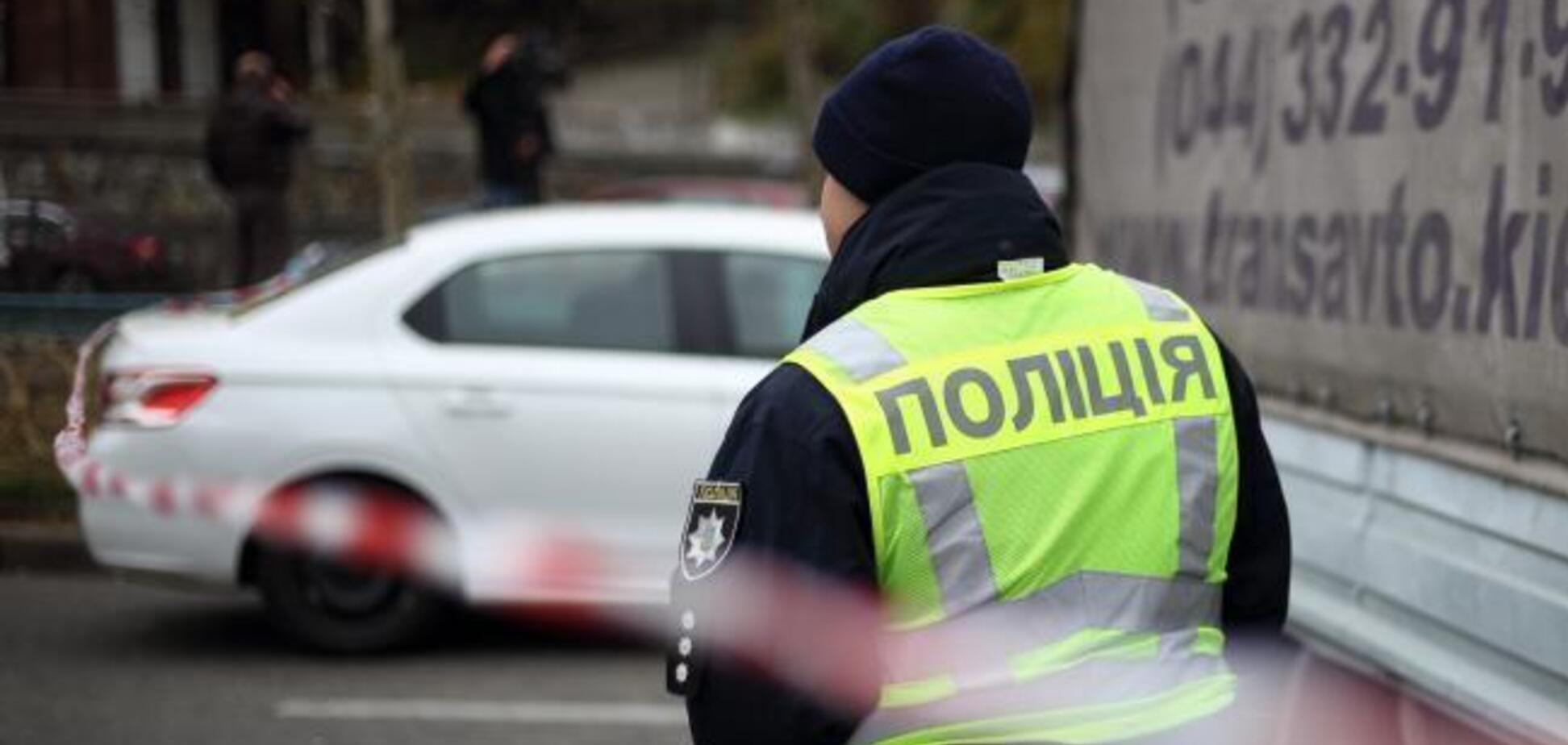 Відрізали палець та роздерли вуха: у Києві знайшли тіло чоловіка поруч із закривавленою жінкою