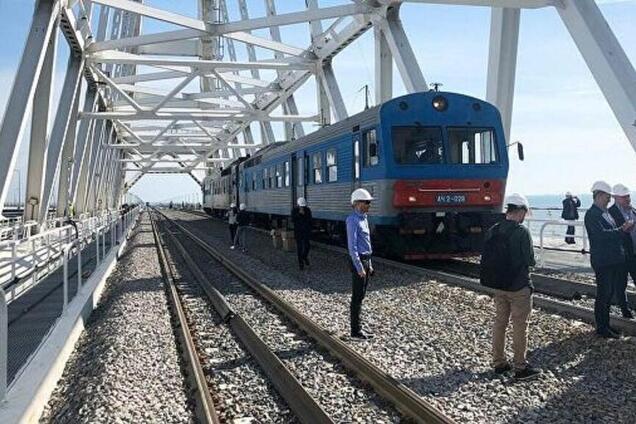 Окупанти заявили, що добудували ж\д частину Кримського моста