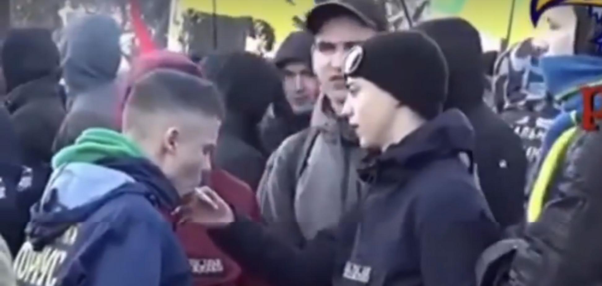 'Молодые аграрии курят новый урожай': видео с детьми на протестах под Радой разозлило украинцев