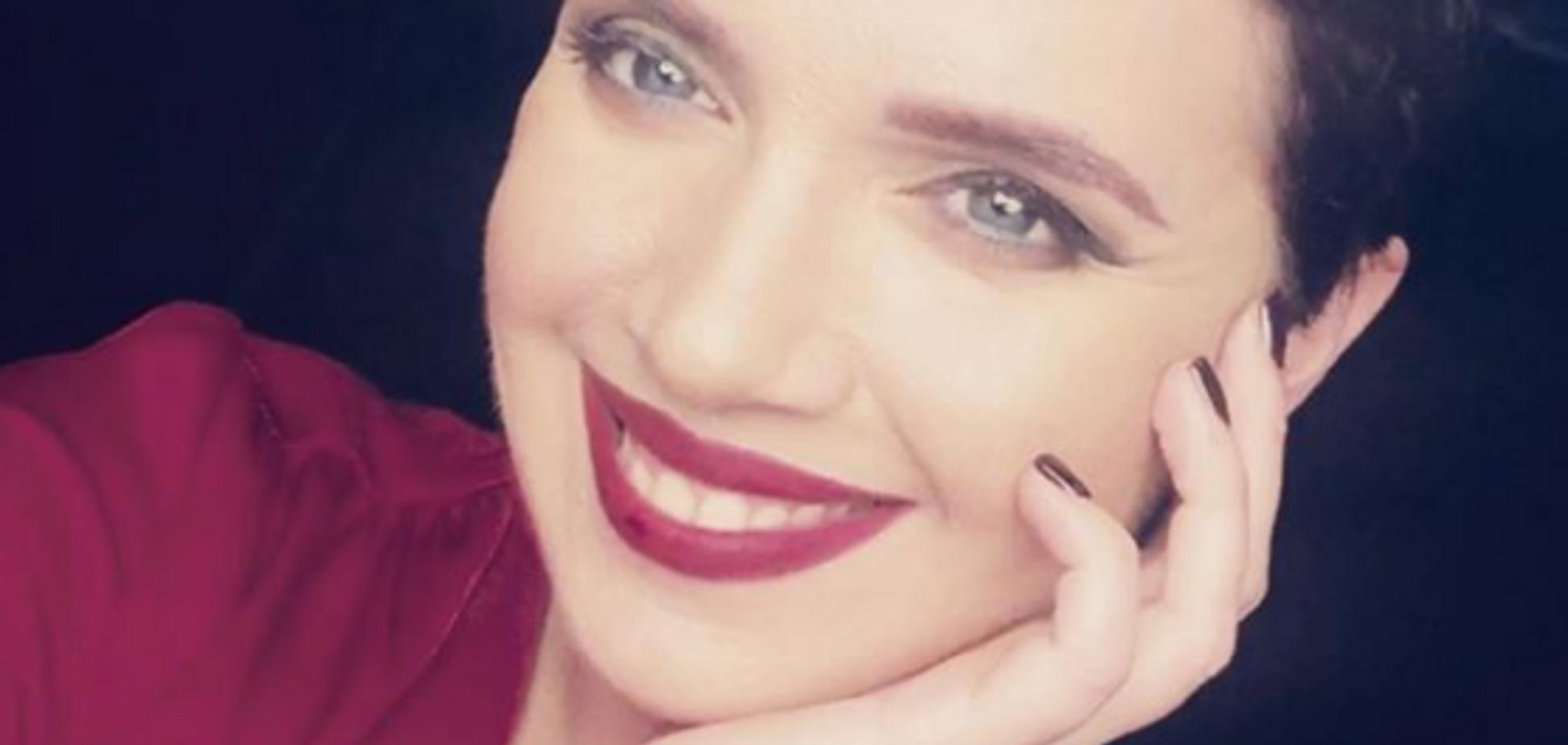 'Соблазнительница': Соколова сверкнула пышной грудью на камеру