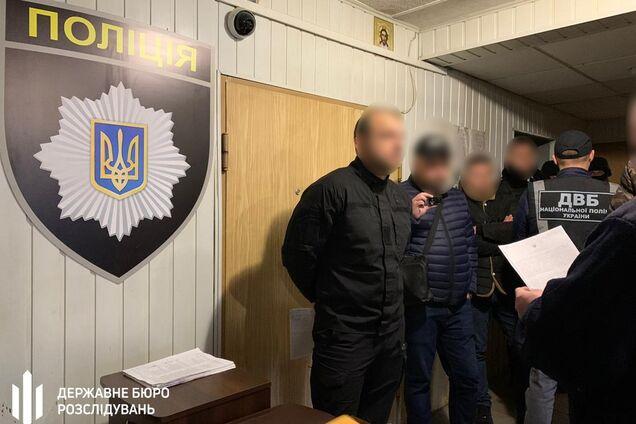 """Под Днепром коп-оборотень взял в """"оборот"""" 22-летнюю девушку"""