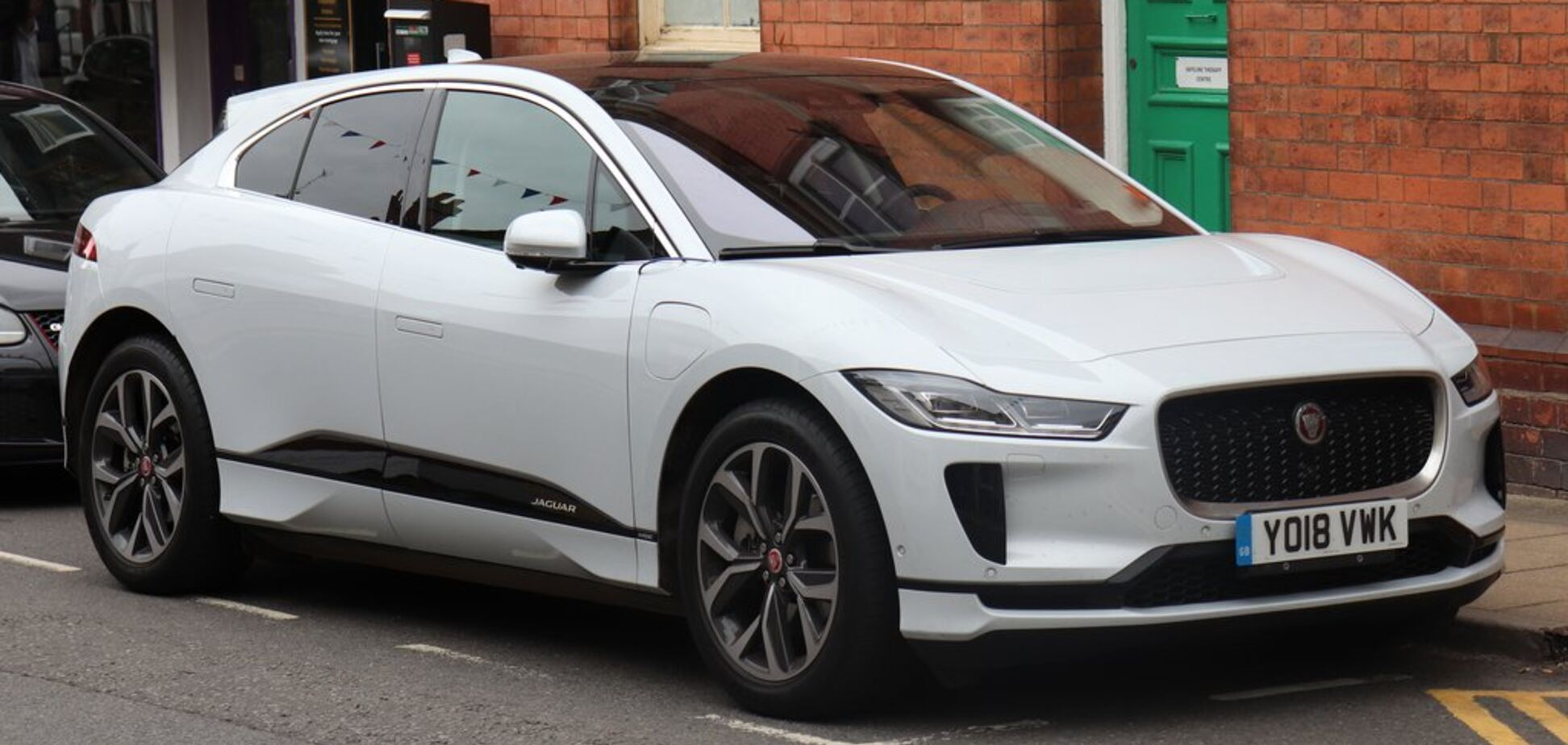 В Україні новий електрокар Jaguar завоював ринок: що трапилося