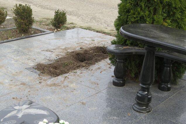 На Київщині вандали спаплюжили могилу героя Небесної сотні