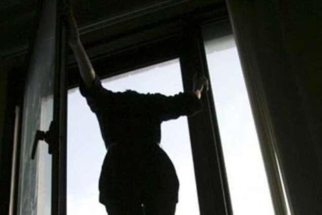 На Херсонщині школярка намагалася скоїти суїцид через батьків