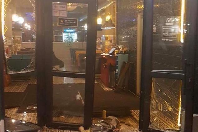 Mister Cat на Позняках: у Києві влаштували погром у кафе