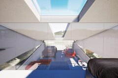 Дизайнери показали гараж для електропікапа Tesla Cybertruck. Фото