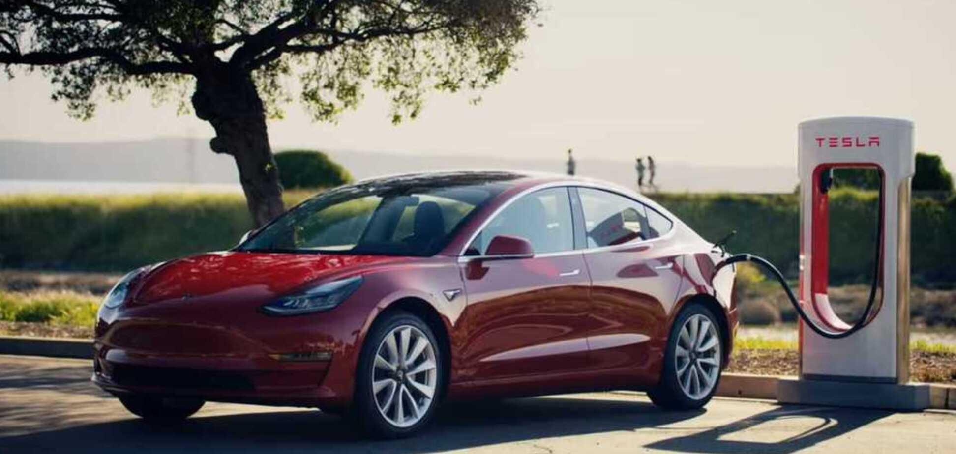Скоро Украина? Tesla открыла первую в Европе сверхмощную зарядную станцию Supercharger