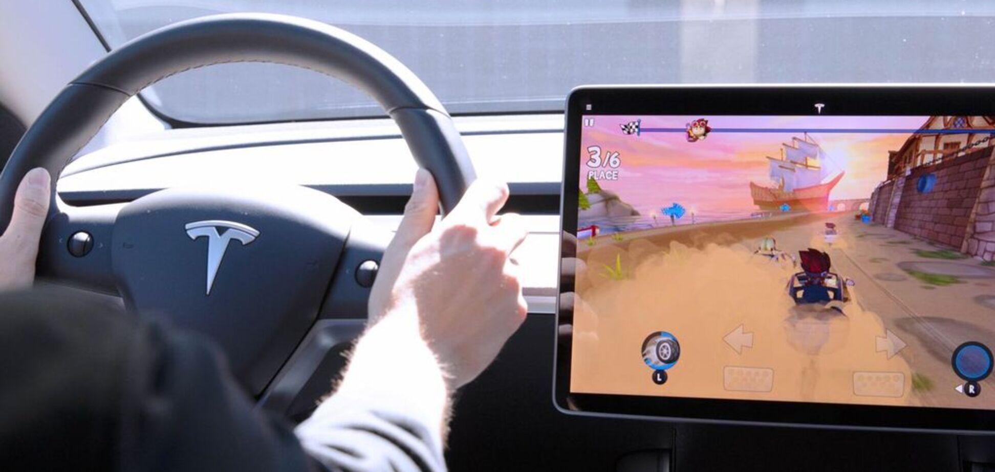 Tesla улучшила свои электромобили новыми функциями