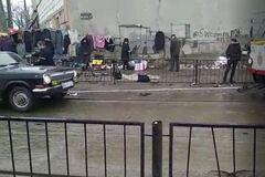 В Одессе трамвай 'с толкача' помог завести 'Волгу'