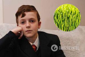 Одноклассники заставили мальчика-вегана есть траву с газона: фото