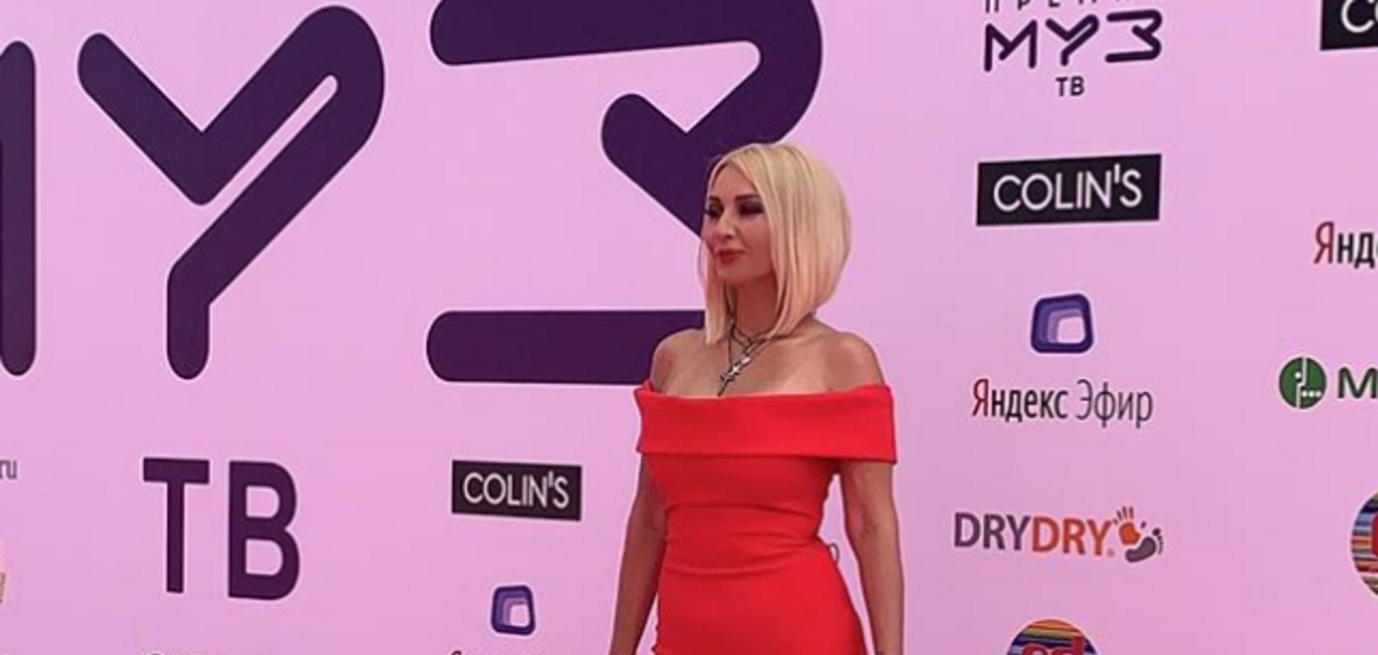 У российской звезды лопнула силиконовая грудь: врач дал прогноз