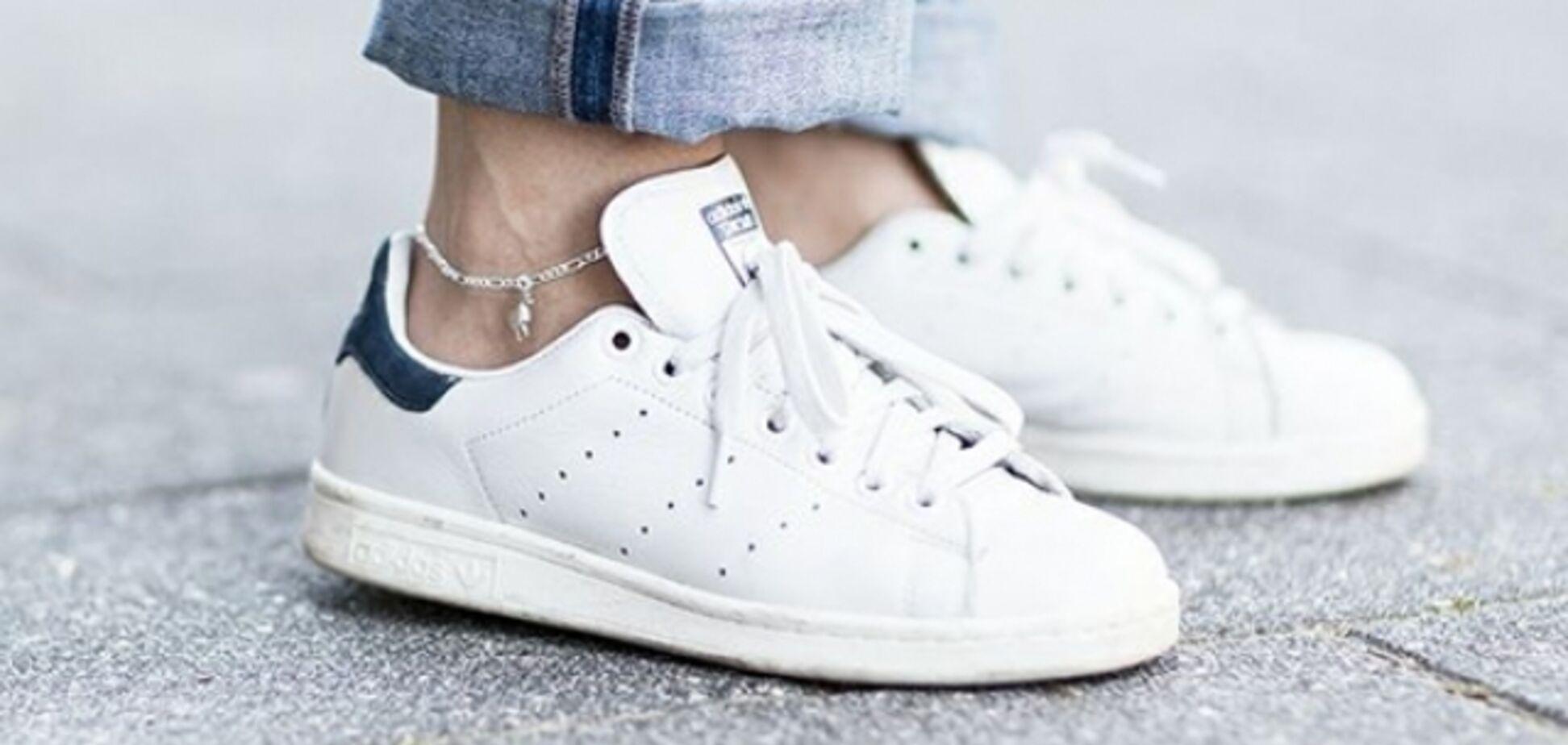 Американка показала, як відчистити кросівки, і прославилася