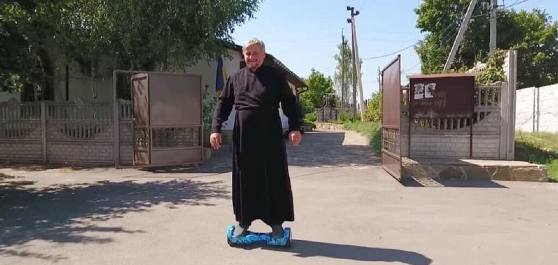 Як сільський священик відродив село і став героєм книги радника прем'єра Юрія Голика