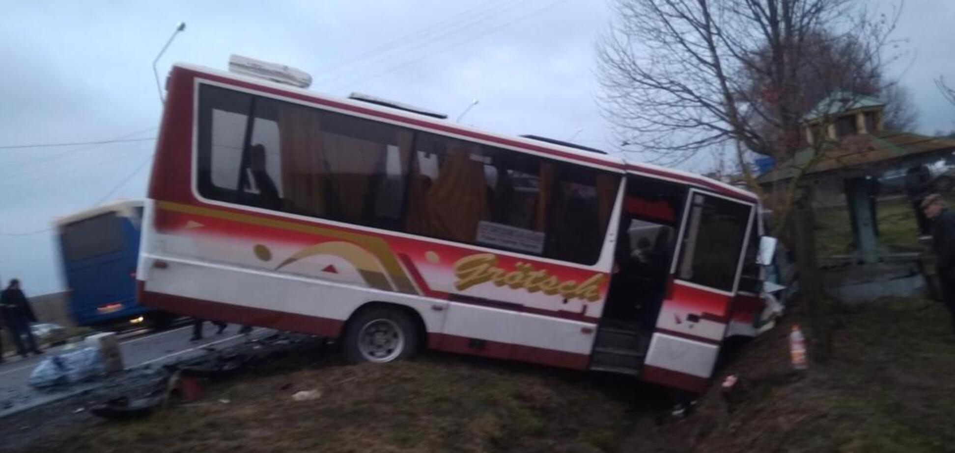 На Волині зіткнулися два автобуси: 8 потерпілих
