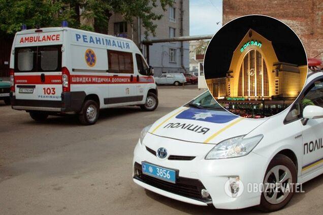 У Києві лікарі швидкої потрапили у скандал через хворого на вокзалі