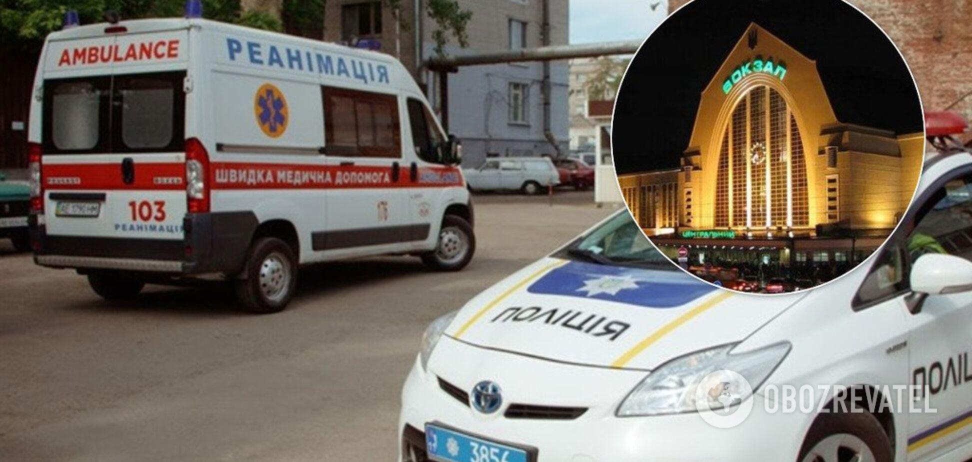У Києві лікарі швидкої потрапили ускандал через хворого на вокзалі